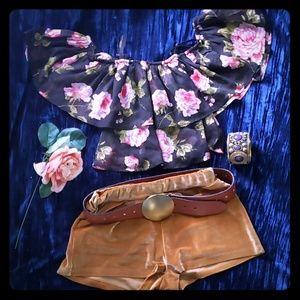 Off the Shoulder Cropped Sweet & Summer Floral Top